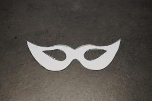 1) Masken als Schablone ausschneiden