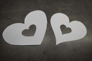 1) Herzschablonen in DIN A4 ausschneiden