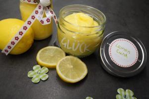 11) Das Lemon Curd in Gläschen umfüllen