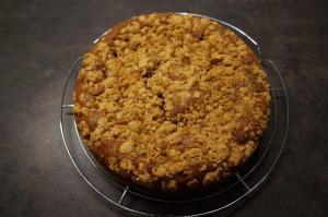 7) Nach dem Backen den Kuchen abkühlen lassen