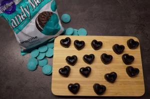 6) Candy Melt schmelzen oder Schoko-Ganache zubereiten
