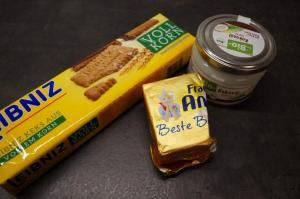 4) Nun entweder Butter oder Kokosöl hinzugeben