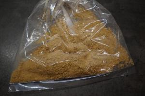 3) Bis die Kekse fein gemahlen sind