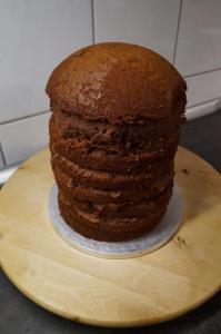 10) ... bis mit der Halbkugel oben die Torte abgeschlossen wird