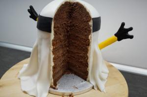 17) Torte genießen