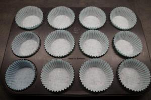 1) Muffinförmchen vorbereiten