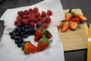 15) Beeren waschen