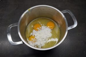 1) Alle Zutaten, bis auf die Butter, in einen Topf geben, Lemon Curd...