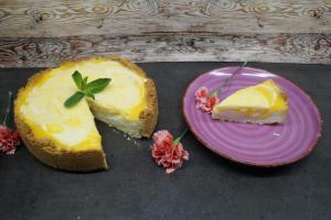 12) Torte mindestens 3 Stunden kühlstellen dann dekorieren