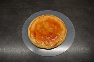2) Mürbeteig mit Marmelade bestreichen