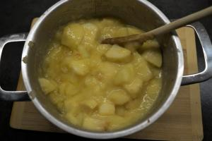 5) Pudding-Pulver unterrühren