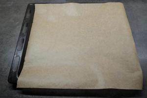 1) Ofen vorheizen und Backbleche vorbereiten