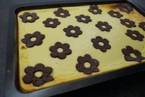 9) Kuchen im Ofen für 50-60 Min. backen