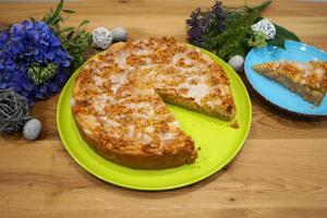9) ... Glasur herstellen und auf dem Kuchen verteilen