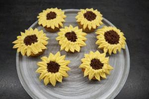 15) Cupcakes bis zum Verzehr kühlstellen