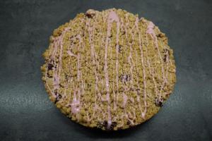 17) Zuckerguss auf dem Kuchen verteilen ...