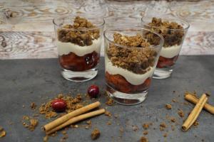 Apfel-Cranberry-Kompott: Dessert im Glas