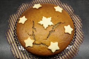 10) ... mit Schablonen oder Keksen belegen ...