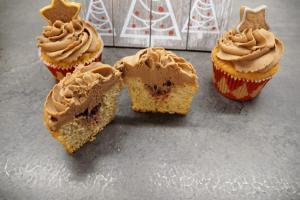 13) Angeschnittener Cupcake