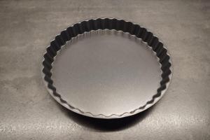 2) Tarte-Form einfetten...