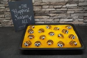 17) Danach die Bienen auf den Fruchtspiegel legen
