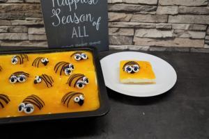 Bienen-Aprikosen Blech