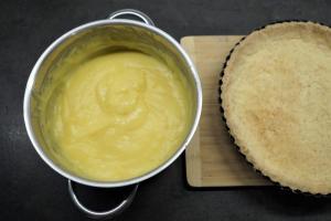 8) Den Pudding gut verrühren und etwas abkühlen lassen