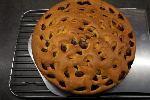 7) Kuchen etwa 40 Min. backen und danach abkühlen lassen
