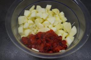 6) Danach zu den Äpfeln geben und verrühren