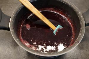 23) Für die Fruchtfüllung, Marmelade mit den ausgepressten ...