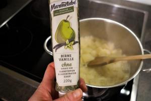 10) Marmelade hinzugeben, kurz verrühren und zur Seite stellen