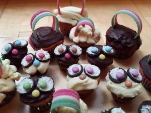 15) Eulen Muffins genießen