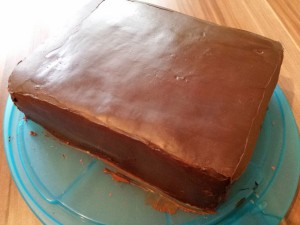 6) ... und die ganze Torte 2x einstreichen und glätten