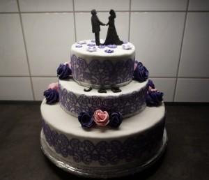 36) 3-Stöckige Torte