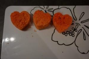 5) Herzen ausstechen