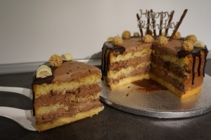 21) Angeschnittene Torte Nr. 2
